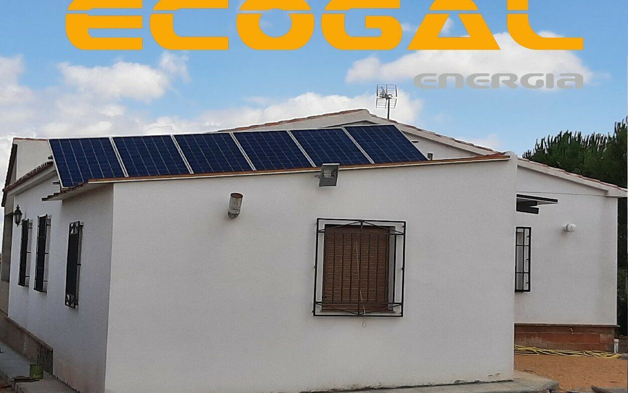 Instalación de paneles solares en Villarrobledo de 1,98 Kwp Aislada.